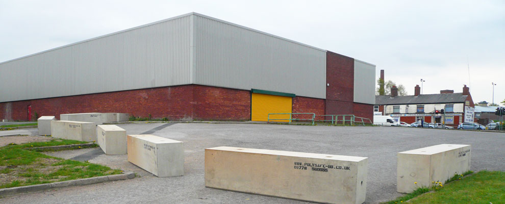 Concrete barriers and blocks polysafe