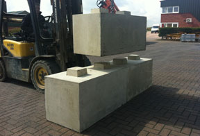 concrete barrier to build walls