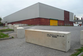 concrete barriers for protecting vacant land
